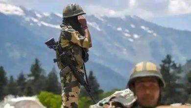 Photo of India-China Border Tensions : भारत के दबाव के आगे झुका चीन, मेजर जनरल स्तर की बातचीत के बाद 10 सैनिकों को किया रिहा