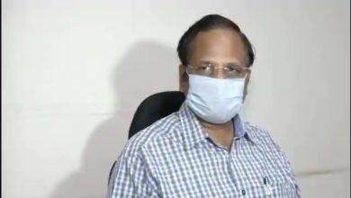 Photo of Satyendar Jain : दिल्ली के स्वास्थ्य मंत्री सत्येंद्र जैन को कोरोना के लक्षण, तेज बुखार और सांस लेने में दिक्कत के बाद अस्पताल में भर्ती